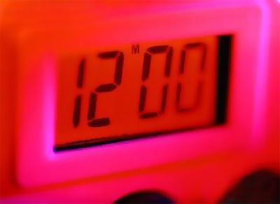 Первым массовым продуктом с использованием жидких кристаллов стали электронные часы